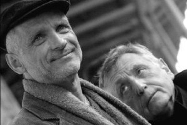Režísér Jiří Menzel s predstaviteľom hlavnej úlohy vo filme Obsluhoval jsem anglického krále, Oldřichom Kaiserom.