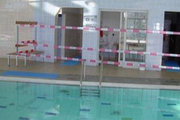 V decembri 2010 museli pre problémy bazénovú časť Relax centra uzavrieť.
