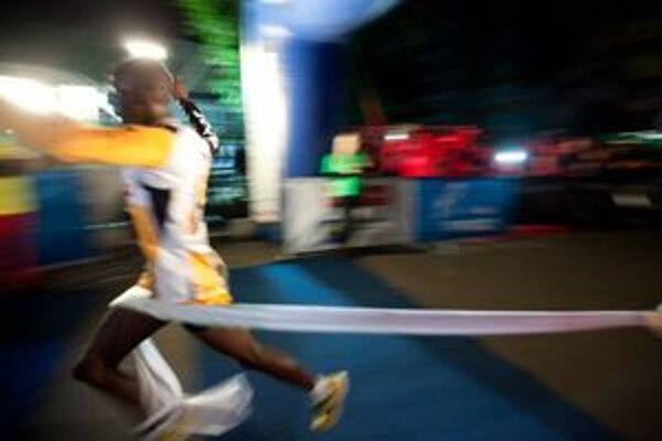 Víťaz Thomas Lokomwa z Kene.