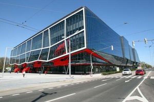 STaRZ je tiež správcom Zimného štadiónu, ktorý pred jarnými Majstrovstvami sveta zrekonštruovali.