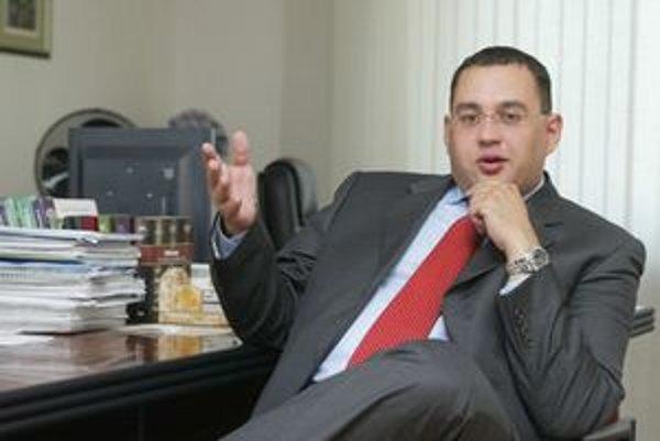 Najväčší záujem je o post šéfa pohrebnej služby, kandiduje aj dnešný riaditeľ Miloslav Hrádek.