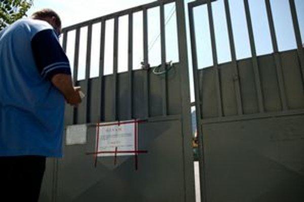 Dvory zatvárajú, Bratislavčania pritom stále viac odpadu separujú.