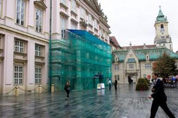 Primaciálny palác budú rekonštruovať asi dva mesiace. Mesto zaplatí  60–tisíc eur.