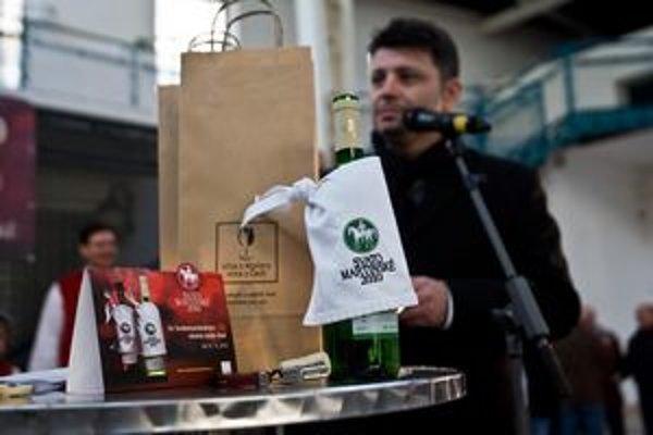 Príchod mladých Svätomartinských vín z Moravy je naplánovaný na 11.00 v Starej tržnici.