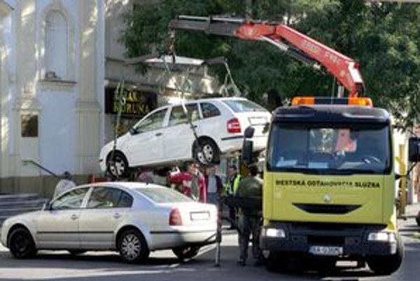 Mestská polícia bude v centre odťahovať iba v nevyhnutných prípadoch.
