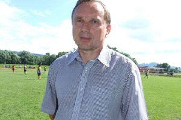 Ján Švehlík. Na jeho počesť v Lovči každoročne organizujú futbalový turnaj mladších dorastencov.