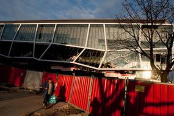 Prestavbu štadióna Ondreja Nepelu  preveroval Najvyšší kontrolný úrad. Našiel veľa plytvania.