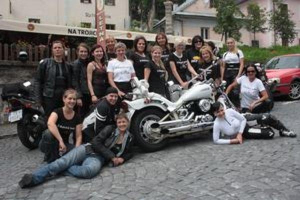 Tento víkend sa na Počúvadle stretli motorkárky z celého Slovenska.