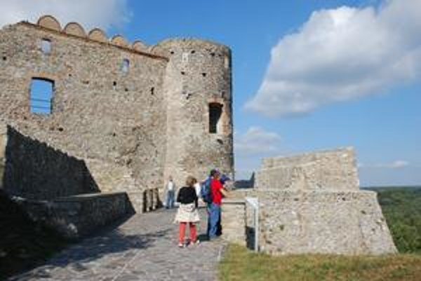 Letná turistická sezóna trvá od mája do októbra.