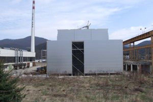 Areál bývalej Preglejky. Vyrastá v ňom nová elektráreň, kde nájde prácu viac ako 40 ľudí.