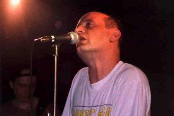 Lenivý spev Tonyho Ducháčka prirovnávajú k Lou Reedovi.