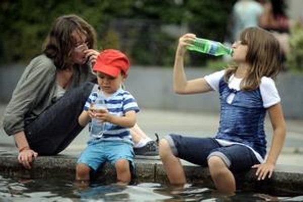 Letné horúčavy sú pre organizmus náročné, najmä pre ten detský.