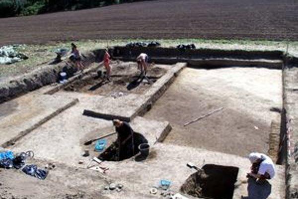 Pozostatky osady zo staršej doby bronzovej.