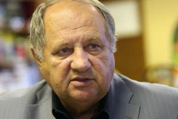 Richard Frimmel, krajský poslanec (nez.). Bývalý starosta Nového Mesta.