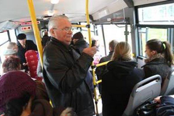 Jazda autobusom MHD.