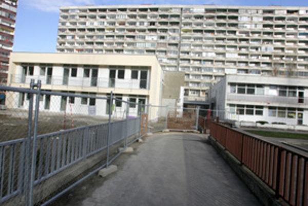 Budúci rok by Petržalka mohla spustiť obnovu hlavne základných škôl. Zníži to aj ich náklady na teplo.