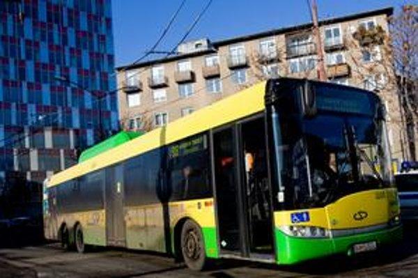 Hromadná doprava jazdí bez 20 plynových autobusov.