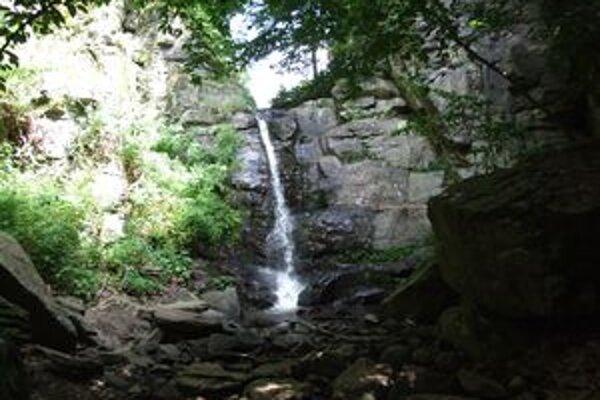 Starohutský vodopád.