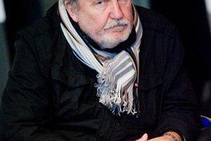 Profesor Štefan Šlachta (1939) je od apríla 2006 hlavným architektom mesta. Je zároveň prezidentom Spolku architektov Slovenska. V rokoch 1994 - 2000 bol rektorom VŠVU. Za zásluhy o pozdvihnutie slovenskej architektúry získal za rok 2004 Cenu Emila Belluš