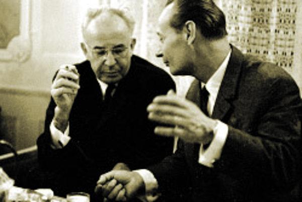 Dve protichodné osobnosti. Kým Alexander Dubček (vpravo) dal ľuďom viac slobody, Gustáv Husák ju s pomocou Rusov po roku 1968 obmedzil.