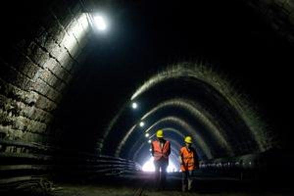 Tunel pochádza z rokov 1943 – 1949. Rekonštrukcia má trvať rok a stáť 8,3 milióna eur.