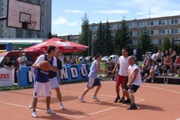 Streetball prilákal do Žiaru desiatky družstiev.