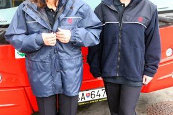 Sukne zatiaľ súčasťou pracovných odevov nie sú. Ich použitie by vraj bolo nepraktické.