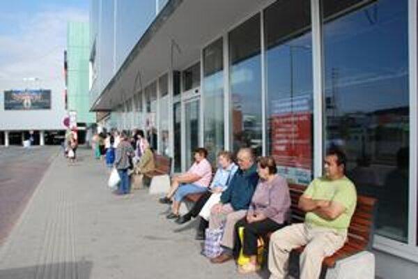 Nový autobus k Tescu bude počas dňa jazdiť k Poliankam. Ľudia vraj spojenie s hypermarketom požadovali.