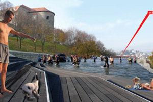 Jednou z alternatív terasy v blízkosti hradu je aj malé kúpalisko a priestory na šport.