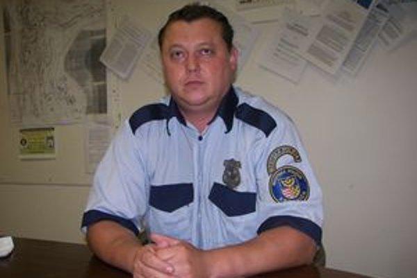 Náčelník mestskej polície Roman Brhlík si myslí, že nariadenie nikoho nediskriminuje.