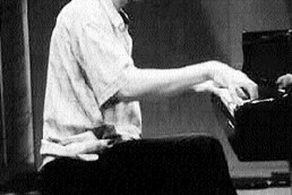 Zvučným menom na tohtoročnom programe festivalu Melos - Étos je tiež taliansky klavirista Roger Muraro. Zahrá Messiaenových Dvadsať pohľadov na jezuliatko.