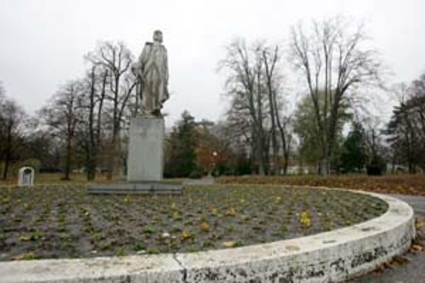 K najväčším bratislavským parkom patrí Sad Janka Kráľa. Pribudnúť má 50- hetárový park medzi Malým a Veľkým Draždiakom, jeho podobu budú môcť ovplyvniť aj obyvatelia.