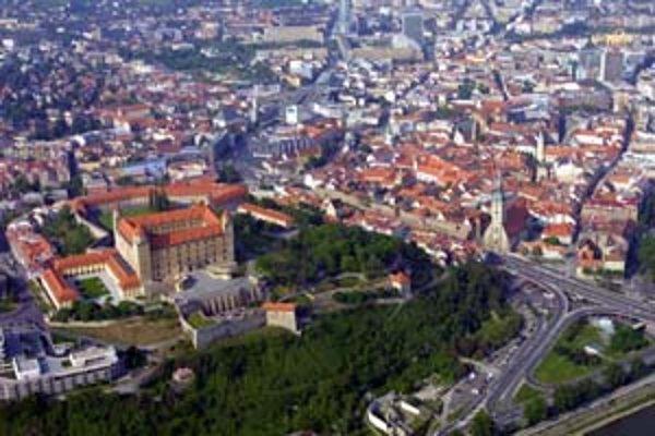 Dnes je územie bývalej Vydrice sčasti zelené, posledné domy pod hradným kopcom zbúrali pred polstoročím.