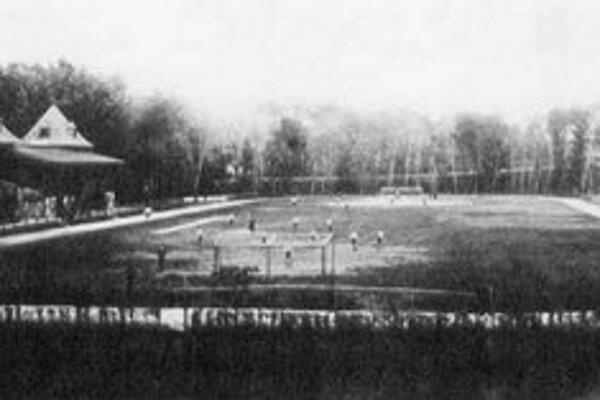 Petržalské futbalové ihrisko PTE okolo roku 1900.