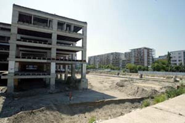 Obyvateľom Pošne a Trávnikov najviac prekáža výstavba vo vnútroblokoch a rozobraný obchodný dom Ružinov.