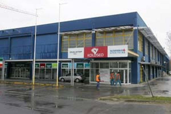 Budovu, ktorú Bratislavčania poznajú pod názvom stará Ikea, má nahradiť mohutná novostavba.