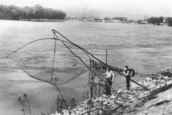 Rybári na Dunaji v roku 1964.