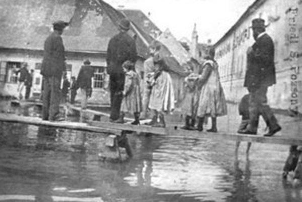 Povodeň v oblasti Ballusovej ulice v roku 1899.
