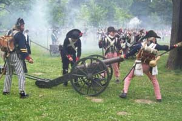 Pripomienkou boja o Bratislavu bola minuloročná ukážka bojových akcií Obliehanie Bratislavy Napoleonom v Sade Janka Kráľa.