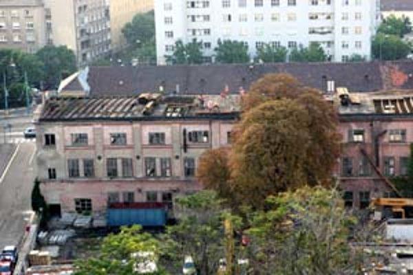 Budovy kefárne na Radlinského sa budú nadstavovať o štyri a tri podlažia.