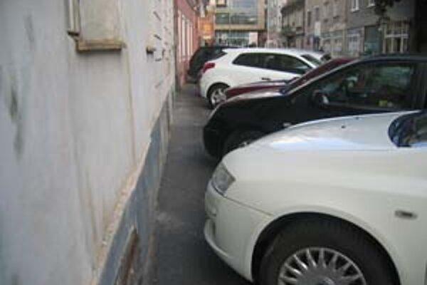 Od februára chce Staré Mesto zaviesť maximálne parkovanie v zóne s obmedzením na dve hodiny.