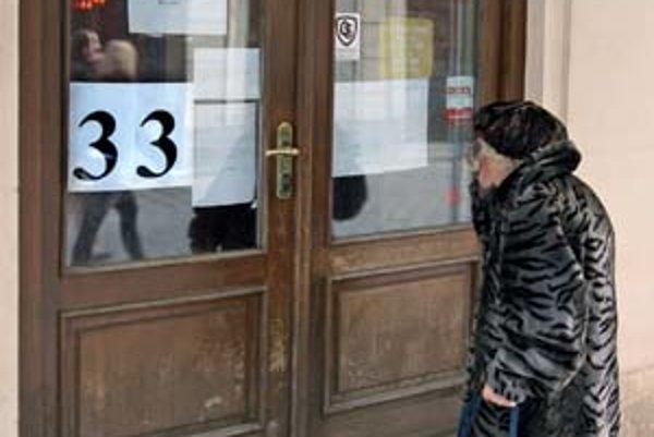 Priestory, v ktorých prevádzkovala Divesta Diétku a Vegetku, bude mať od nového roka prenajaté od mesta spoločnosť CDC. Na dverách obľúbenej Vegetky sa odrátavajú dni jej konca.