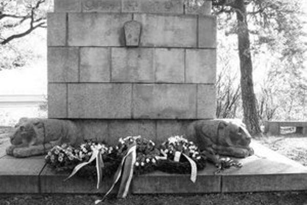 Pamätník obetiam prvej svetovej vojny na Murmanskej výšine.