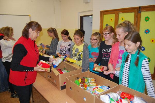 Žiaci priniesli do školy 552 potravín.