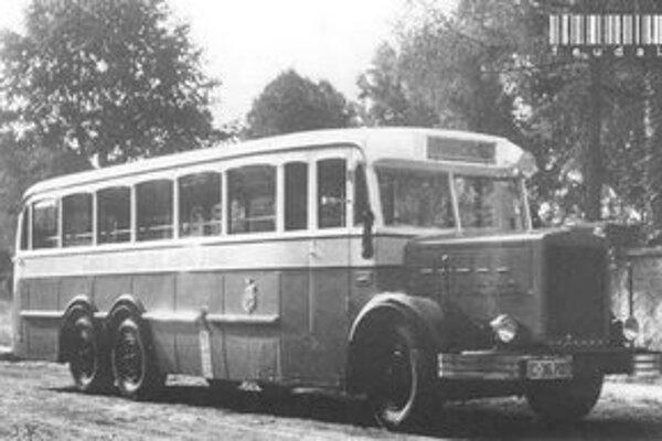 Autobus Škoda 656D na fotografii z roku 1937.