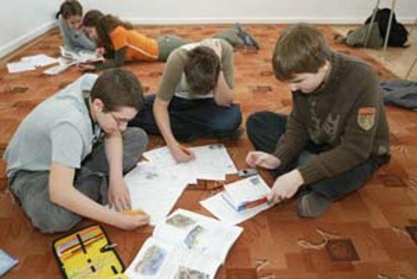 Časť vyučovania v škole pre nadané deti prebieha na koberci.