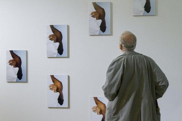 Radek Brousil sa so svojím dielom hlásil aj do súťaže na českú cenu Jindřicha Chalupeckého. Click and drag to move
