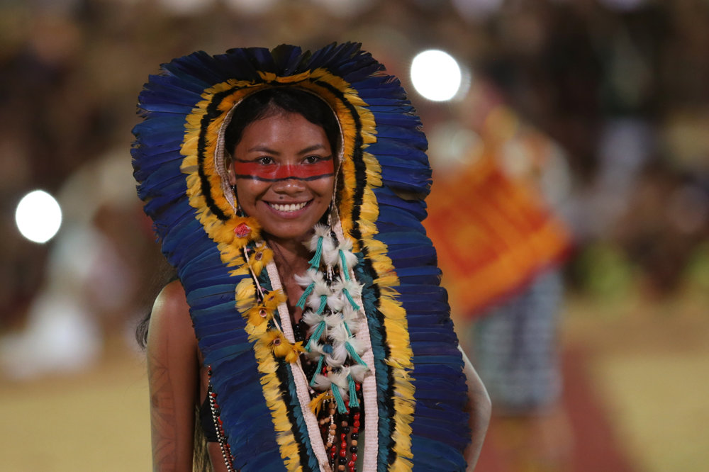 Počas hier sa uskutočnila aj prehliadka krásy. Na snímke je príslušníčka etnickej skupiny Manoki.