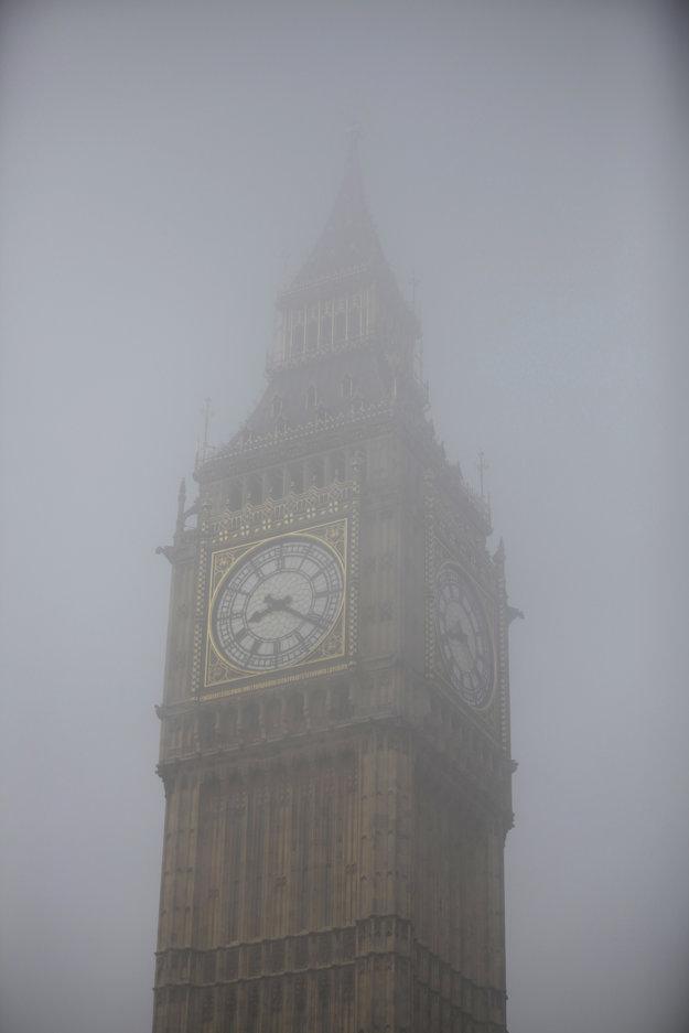 Pre Big Ben a Londýn je typickejšie hmlisté počasie.