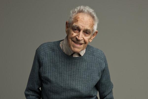 Pavel Branko, filmový kritik aprekladateľ sa narodil 27. apríla 1921 na lodi na Jadrane, neďaleko Terstu. Roky 1942 – 45 strávil ako politický väzeň vBratislave, Nitre, Leopoldove av koncentračnom tábore vMauthausene. Prezident mu vlani udelil Pribinov kríž II. triedy.